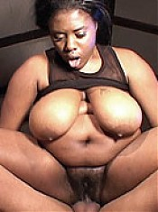 Fat and horny ebony gets a facial